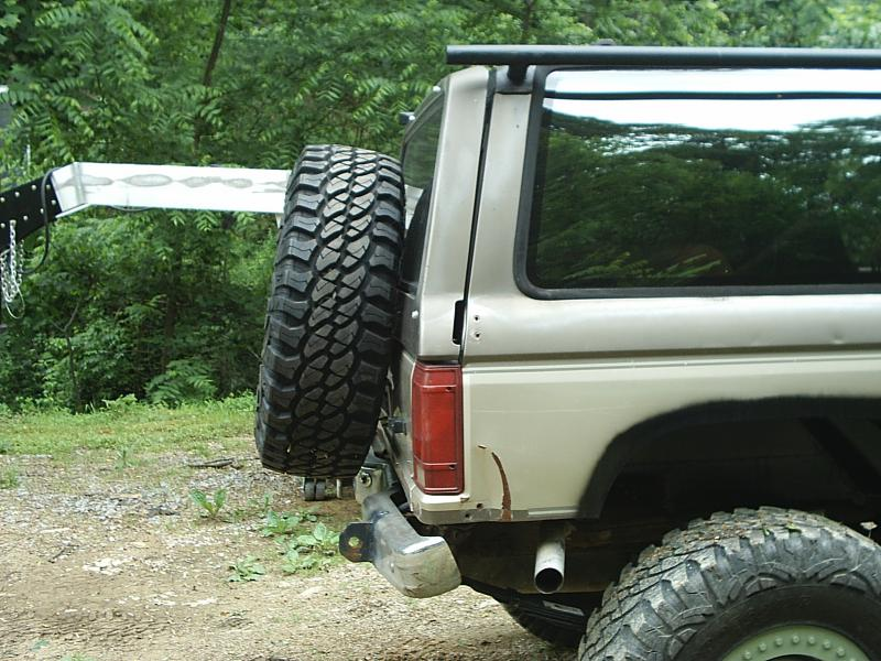 Bronco Ii Custom Spare Tire Carrier Pirate4x4 Com 4x4