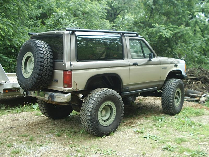 Bronco Ii Custom Spare Tire Carrier Pirate4x4 Com 4x4