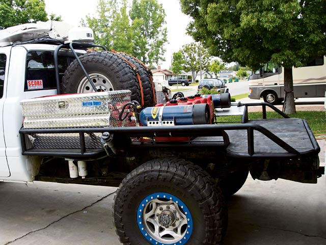Custom Off Road Flatbed for Dodge 2500 - Pirate4x4.Com : 4x4 and Off