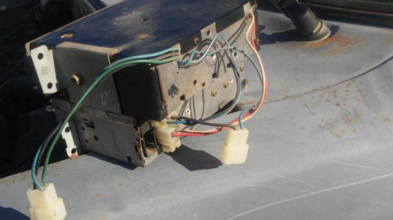 wiring up original 8 track player need help ! 1982 hilux | Pirate 4x4 | Realistic 8 Track Wiring Diagram |  | Pirate 4x4