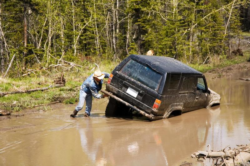 Name:  2389122_med-Truck-in-mud-1200x798px.jpg
