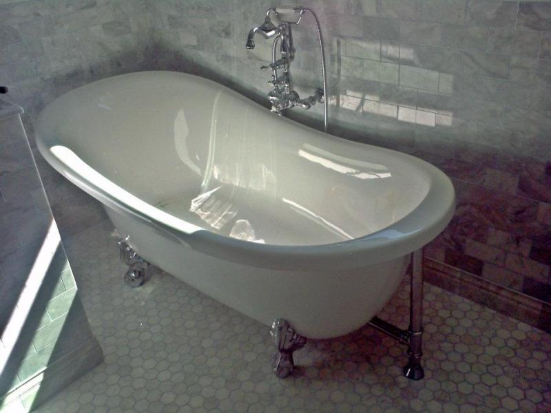 Refinishing Clawfoot Tub Exterior | Sevenstonesinc.com
