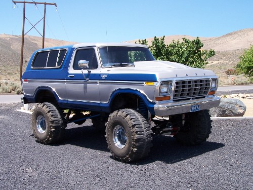 Bronco Rock Crawlers for Sale http://www.pirate4x4.com/forum/vehicles-trailers-sale/589595-79-bronco-crawler-sale-nor-cal-w-rockwells-49s.html