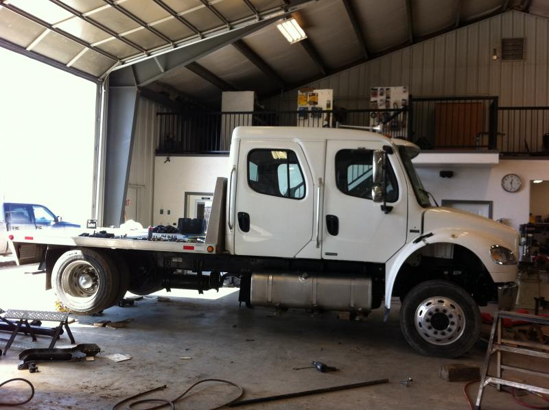 4X4 Freightliner conversion - Pirate4x4 Com : 4x4 and Off