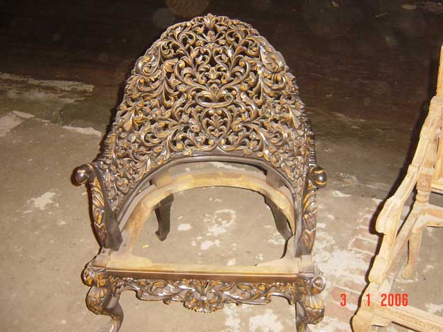 Pakistani Wood Furniture.. Amazing carvings.. - Pirate4x4.Com  4x4 and  Off-Road Forum