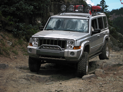 jeep commander pirate4x4 com 4x4 and off road forum. Black Bedroom Furniture Sets. Home Design Ideas