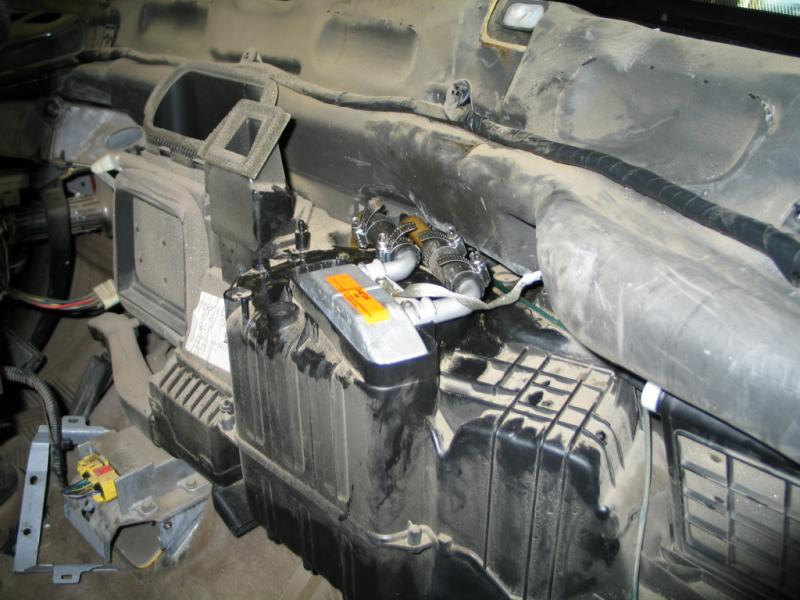 1994 Ford Mustang GT Convertible furthermore Cat 5 Crossover Cable Pinout as well 2004 Suzuki Grand Vitara together with Juventus Team Bus likewise Cummins ISX Engine. on 2006 ford fusion alternator replacement