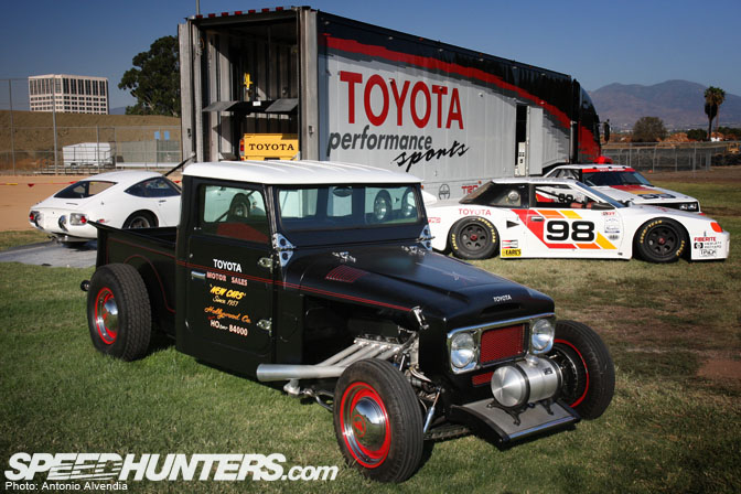 4X4 Hot Rod http://www.pirate4x4.com/forum/general-chit-chat/849596-rat-rod-fj-40-a.html