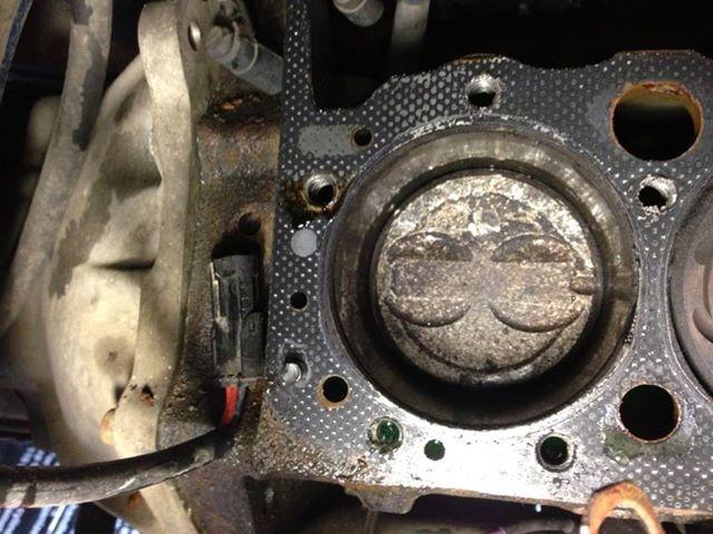 Damaged Piston Ring One Cylinder Sbc