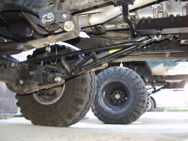 Traction Bars With Leaf Springs Pirate4x4 Com 4x4 And