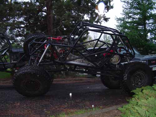 Toyota Buggy Cage http://www.pirate4x4.com/forum/toyota-truck-4runner/356688-another-toyota-buggy.html
