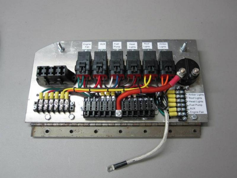beautiful wiring - page 4 - pirate4x4.com : 4x4 and off ... toyota fuse box circuit