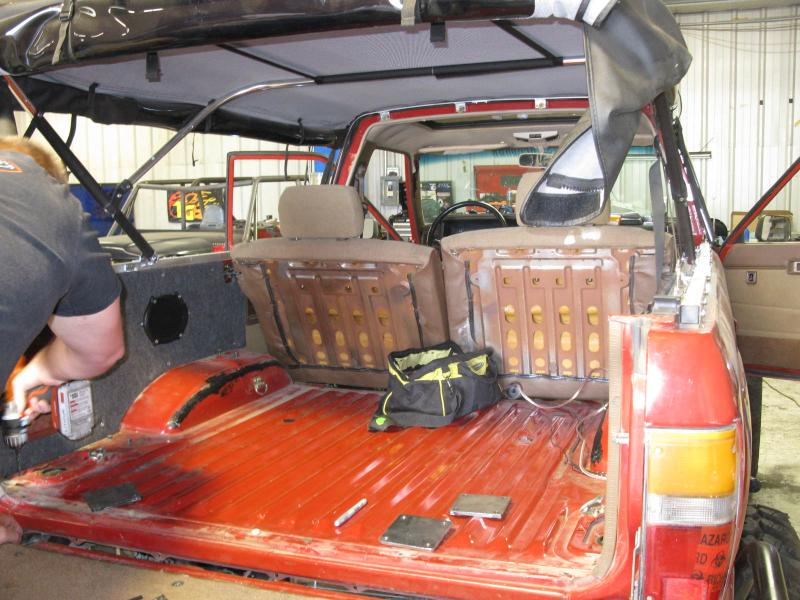 1st gen 4runner roll cage build pirate4x4 com 4x4 and off road forum for Interior roll cage for toyota pickup