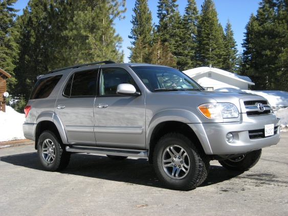 2005 toyota sequoia 4x4 low miles lifted pirate4x4 com 4x4 and off road forum. Black Bedroom Furniture Sets. Home Design Ideas