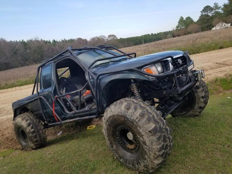 Toyota Tacoma Rock Crawler Pirate4x4 Com 4x4 And Off