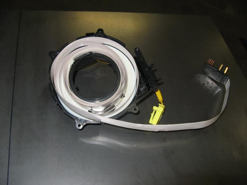 379054d1215449395 steering wheel spiral cable clock spring tech img_2564 steering wheel spiral cable clock spring tech pirate4x4 com  at aneh.co