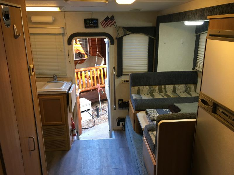 Best Overland Vehicles >> Lance Max 881 cabover camper - Pirate4x4.Com : 4x4 and Off-Road Forum