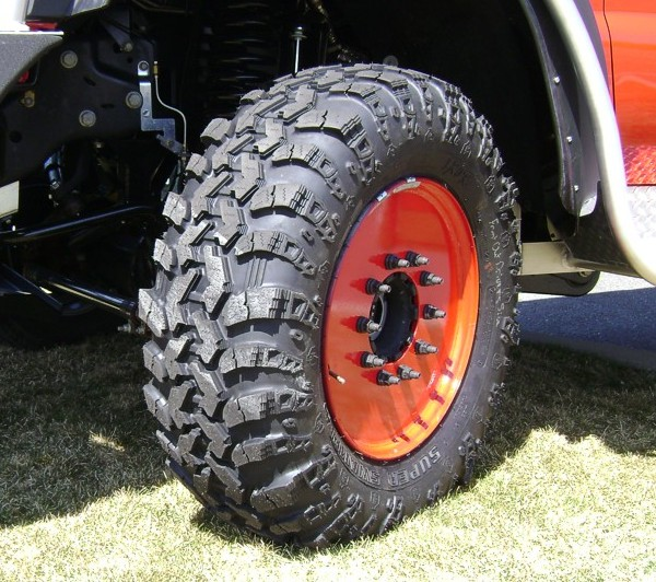 19.5 Flotation tires... - Pirate4x4.Com : 4x4 and Off-Road ...