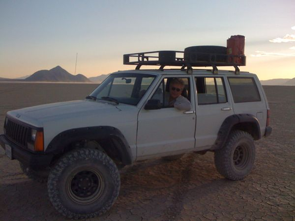 Are Nissan Pathfinders hopeless Off-Road? Should I stick with an XJ
