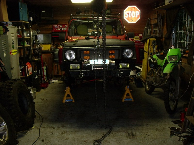 Suzuki Samurai Toyota Axle Swap http://www.pirate4x4.com/forum/suzuki/601470-my-toyota-axle-swap-thread-doctor.html