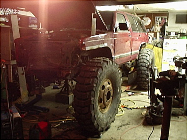 Monster buggy page 4 pirate4x4 com 4x4 and off road for Garage 4x4 ain