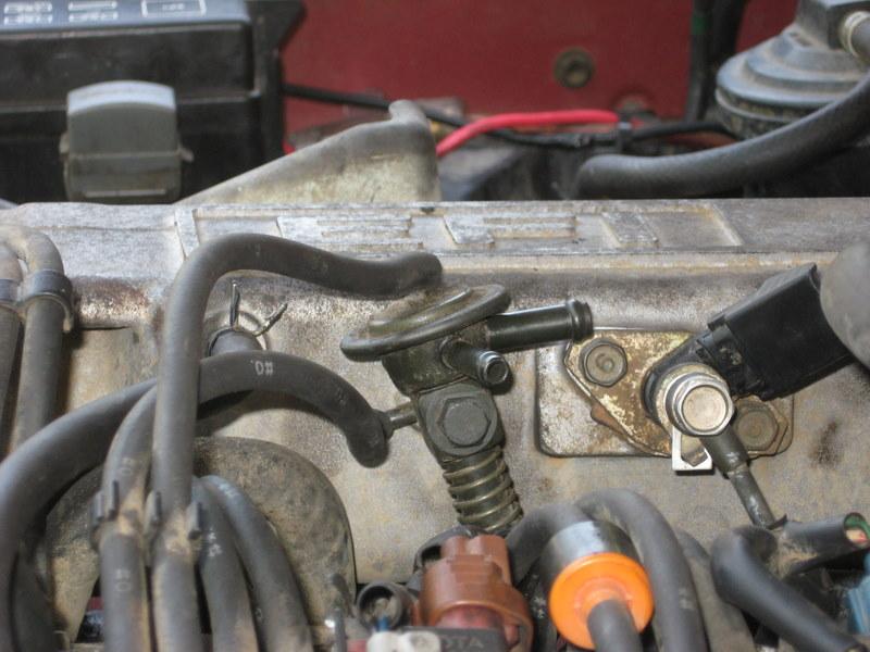 jeep cj5 wiring kit 92 22re a c actuator  vacuum hose route pirate4x4 com  92 22re a c actuator  vacuum hose route pirate4x4 com