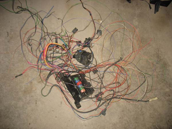 584986d1300757037 5 2 magnum yj swap wires 5 2 magnum yj swap pirate4x4 com 4x4 and off road forum Jeep YJ V8 at aneh.co