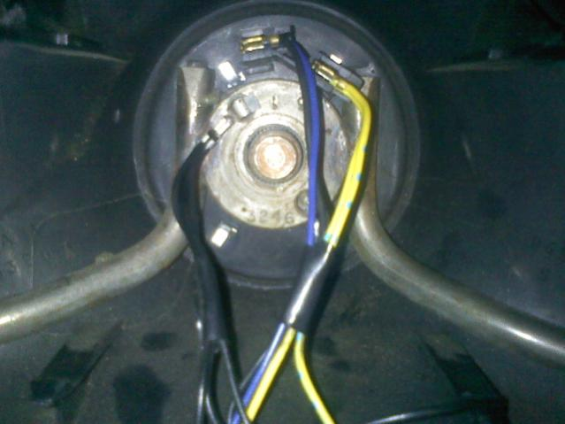 steering column horn switch ground ford truck enthusiasts forums black wires horn cc ground to steering wheel hub there is no clock spring